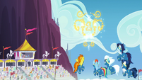 Wonderbolts see gold trophy-shaped fireworks S7E7