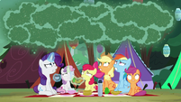 Fly-der swarm appears over the pony sisters S7E16
