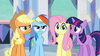 Main ponies have no idea what Pinkie's doing S03E12