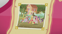 Photo of ponies in front of CMC clubhouse S5E18