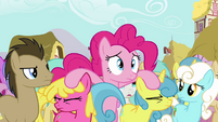 Pinkie Pie needs Twilight's help S3E03
