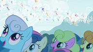 S04E16 Kucyki patrzą na bryzusie