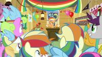 Scootaloo and the Rainbow Dash Fan Club S8E20