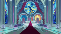 Sombra's shadows covers throne room floor S9E2
