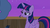 "Twilight Sparkle ""relaxing with my family"" S7E22"