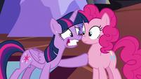 "Twilight nervous smile ""Everything's gonna be fine!"" S5E11"