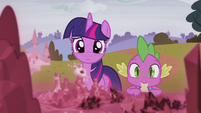Twilight and Spike looking at the map S5E25