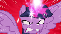 Twilight angry while using her magic S4E26