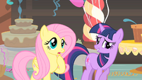 Fluttershy and Twilight having a conversation S1E22