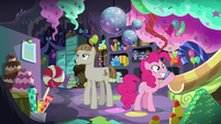 Pinkie welcomes Mudbriar to her party cave S8E3