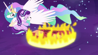 Princess Celestia saves Starlight from the flames S7E10