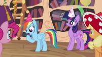 Rainbow Dash explains her idea S4E04