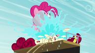 S05E11 Pinkie budzi wodą Cherry