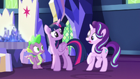 Starlight shocked by Spike's glowing scales S7E15