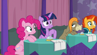 Twilight claps hooves with excitement S9E16