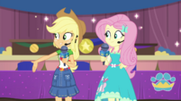 Applejack introducing the first place winner EGDS36