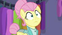 Fluttershy's eyes widen at Snooty Scenester S8E4