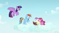 Rainbow Dash getting an idea S7E14