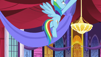 Rainbow Dash hanging party banners S9E13