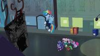 The Power Ponies walking towards the shampoo factory S4E06