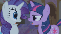 """Twilight and Rarity """"what she was born with"""" S1E09"""