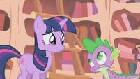 Twilight and Spike worried S1E05