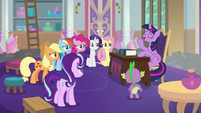 Twilight assuring her uncertain friends S8E1