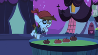 Pipsqueak about to fall 2 S2E04