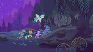 S09E11 Trixie prowadzi grupę do Lasu Everfree