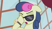 Sweetie Drops puts on sunglasses S5E9