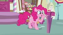 Pinkie Pie looks inside the mailbox 3 S3E07