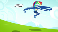 Rainbow Dash kicking the soccer ball SS4