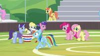 Rainbow trots past the buckball team S9E15