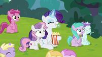 Rarity eating popcorn S7E6