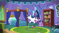 Shining Armor ecstatic by his surprise S5E19