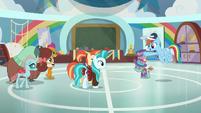 Rainbow Dash sees Young Three enter S9E15