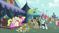 Rarity approaches Filthy Rich and flower trio S7E19