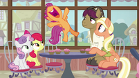 Scootaloo hovering with joy S9E12