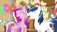 Shining Armor and Cadance laughing S5E19