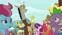 Spike, Discord, and ponies hear screaming S9E23