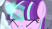 Starlight Glimmer charging magic S5E02