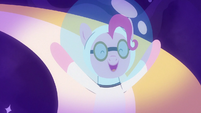 Astronaut Pinkie Pie giggling in space S9E4