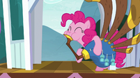 Pinkie playing yovidaphone on the gazebo S8E18