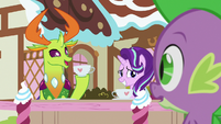 Thorax and Starlight Glimmer at a cafe table S7E15