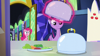 Twilight covers up the snack trays S5E19
