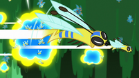 Flash bees flying through the swamp S7E20