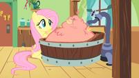 Philomena gets a warm bath S1E22