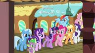 S07E02 Mane 6, Starlight, Trixie i Spike na stacji