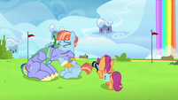 Scootaloo taking Bow and Windy's picture S7E7