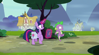 Spike sees something up ahead S9E16